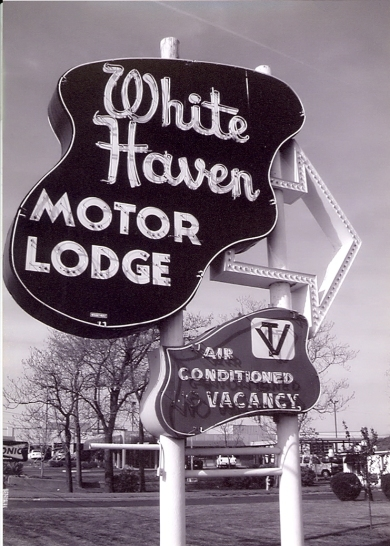White Haven Motor Lodge sign