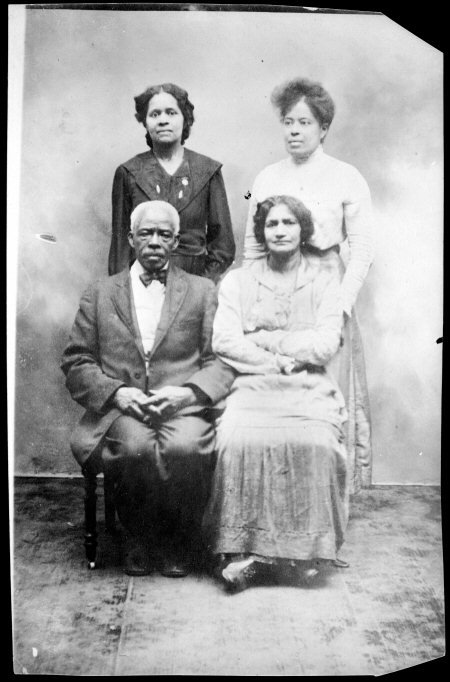 portrait of the Page family of Olathe, Kansas