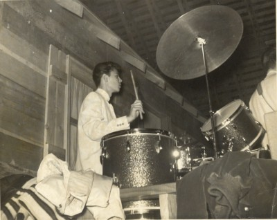 Photo of Michael Weaver drumming for The Silver Tones