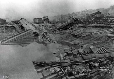 1903 Kansas River Flood - Railroad Wreckage