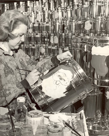 Jean Dexter painting holiday designs on popcorn tins at Velvet Creme in Westwood, circa 1955 Original image: http://www.jocohistory.org/cdm/ref/collection/jcm/id/8301