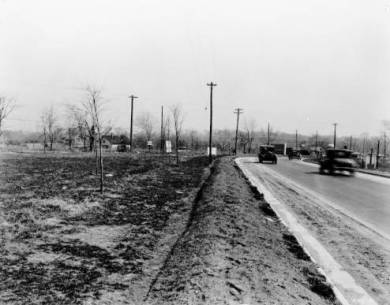 Shawnee Mission Parkway, looking east near Belinder Rd in 1913 Original image: http://www.jocohistory.org/cdm/ref/collection/jcm/id/7896