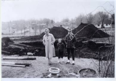 White Haven motel excavation site  (Mary, Sheila and Esther White), 1957.  Original: http://www.jocohistory.org/cdm/ref/collection/ophs/id/179