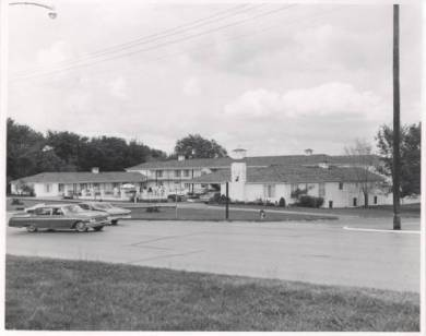White Haven Motor Lodge, 1965.  Original: http://www.jocohistory.org/cdm/ref/collection/jcm/id/15099