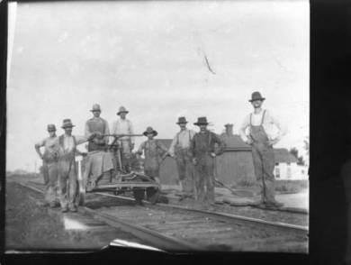 8_Railway_Workers_in_the_Lenexa