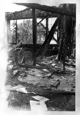 Fire_damage_at_Hickory_Grove_School