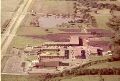 The Glenwood (lower left) at Glenwood Manor Motor Hotel. Source: JoCoHistory.org.
