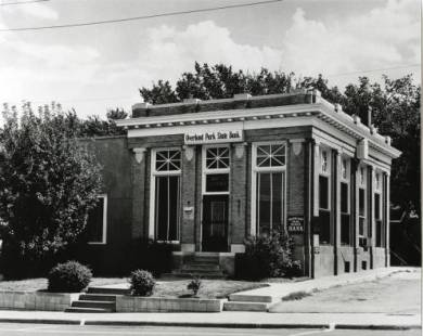 Overland Park State Bank in the 1930s. Source: JoCoHistory.org.