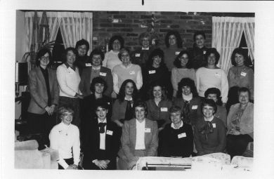 24 women who served in the 1984 Women's Committee at Starlight