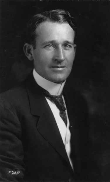 Black and white portrait of Herbert S. Hadley