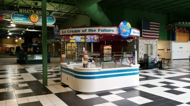 empty Dippin' Dots kiosk