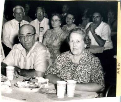 John and Marguerite Barkley at a Shawnee Mission Sertoma Club picnic in 1961.